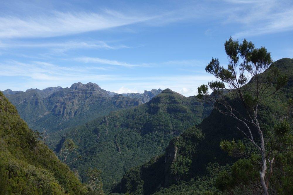 Panorama auf dem PR17 Caminho do Pináculo e Folhadal