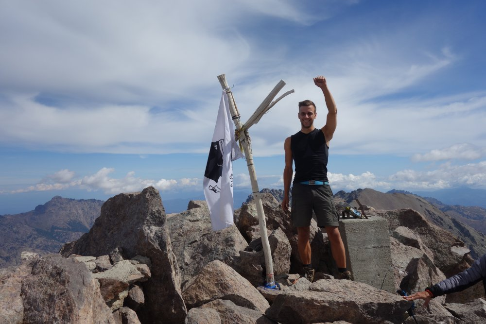 Auf der Bergspitze des Monte Cinto
