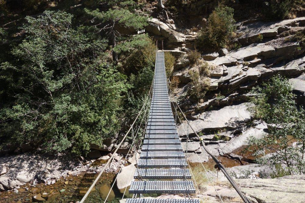 Hängebrücke auf dem Weg zur Refuge de Carozzu