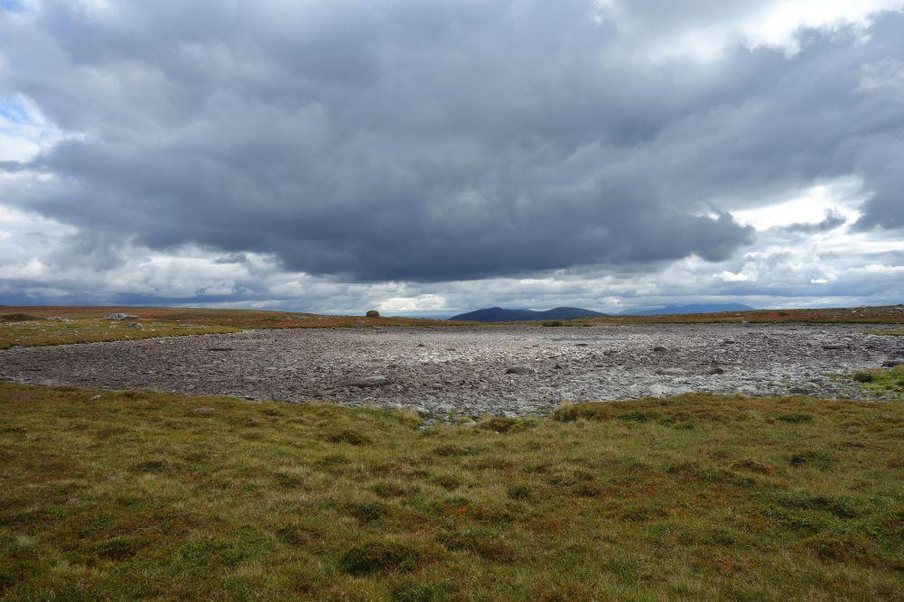 Ausgetrocknete Wasserbecken